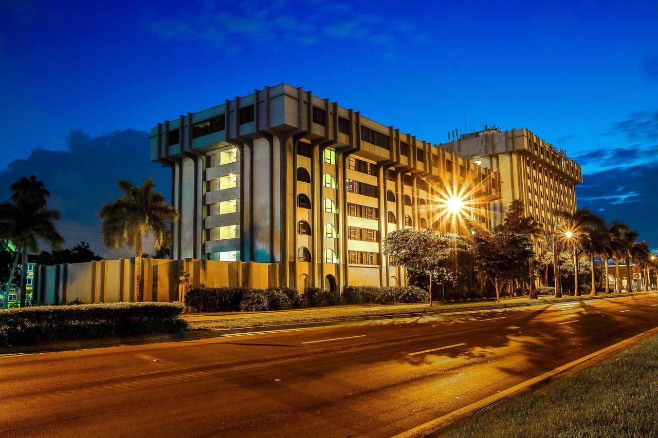 Clarion Inn and Suites Miami International Airport
