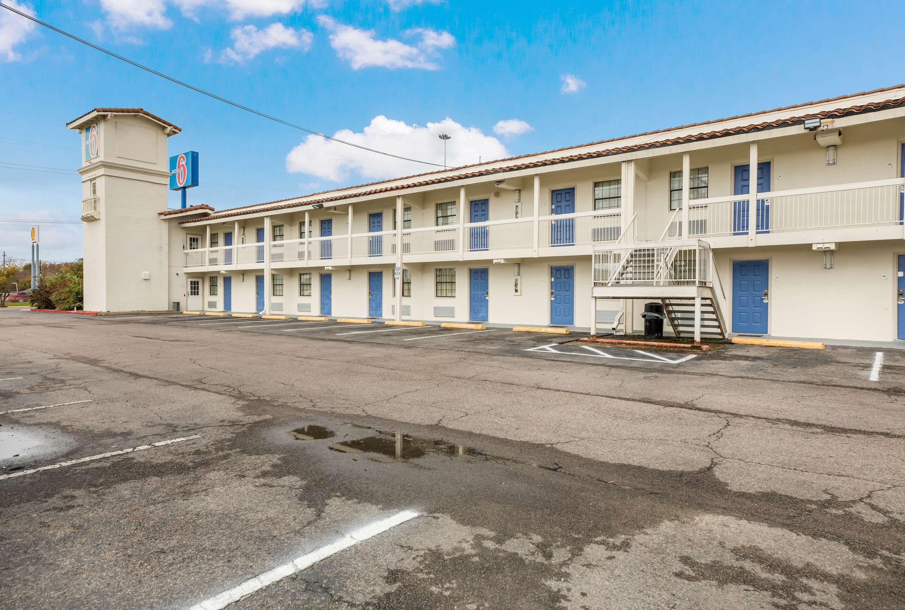 Motel 6 Beaumont, TX