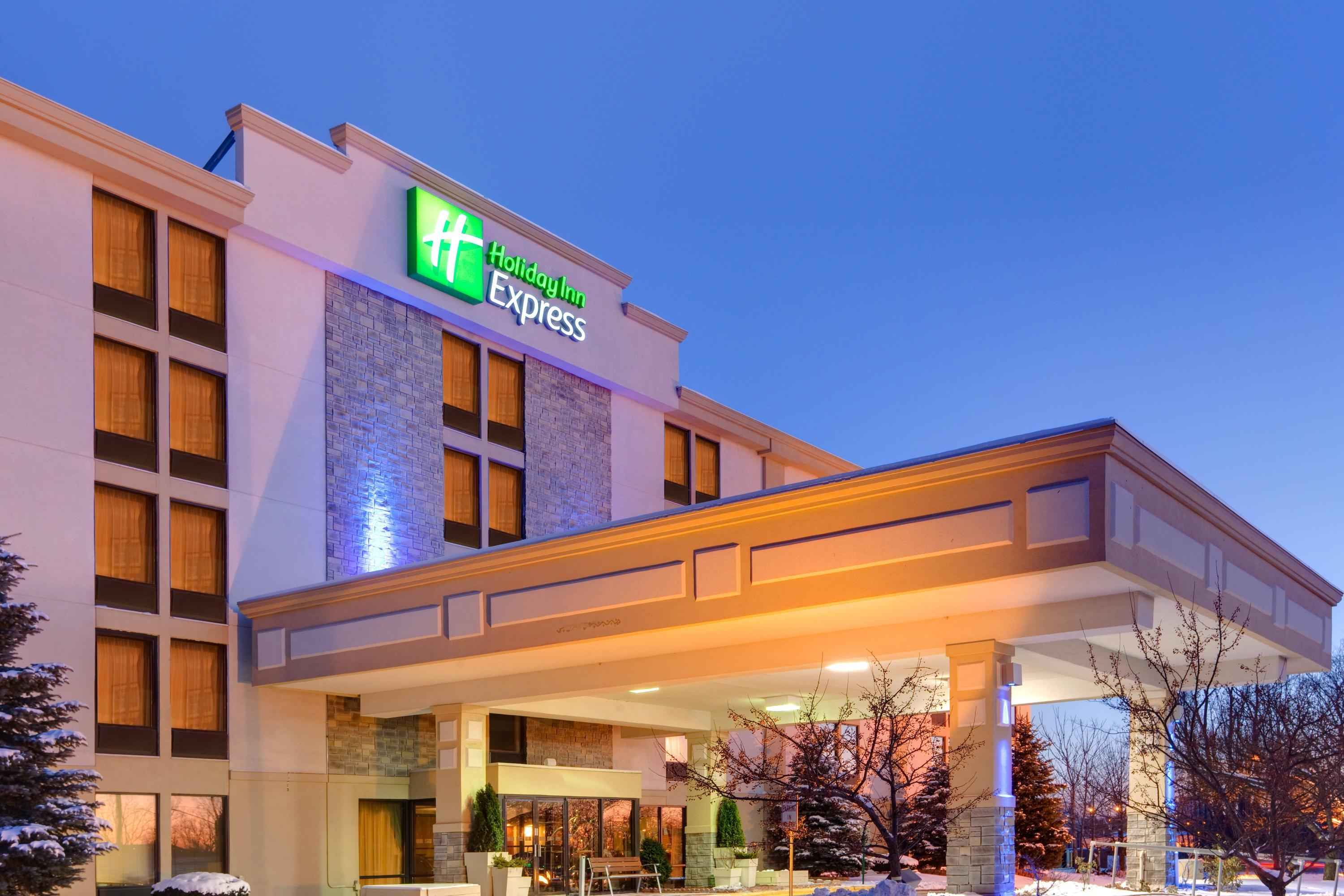 Holiday Inn Express Flint-Campus Area