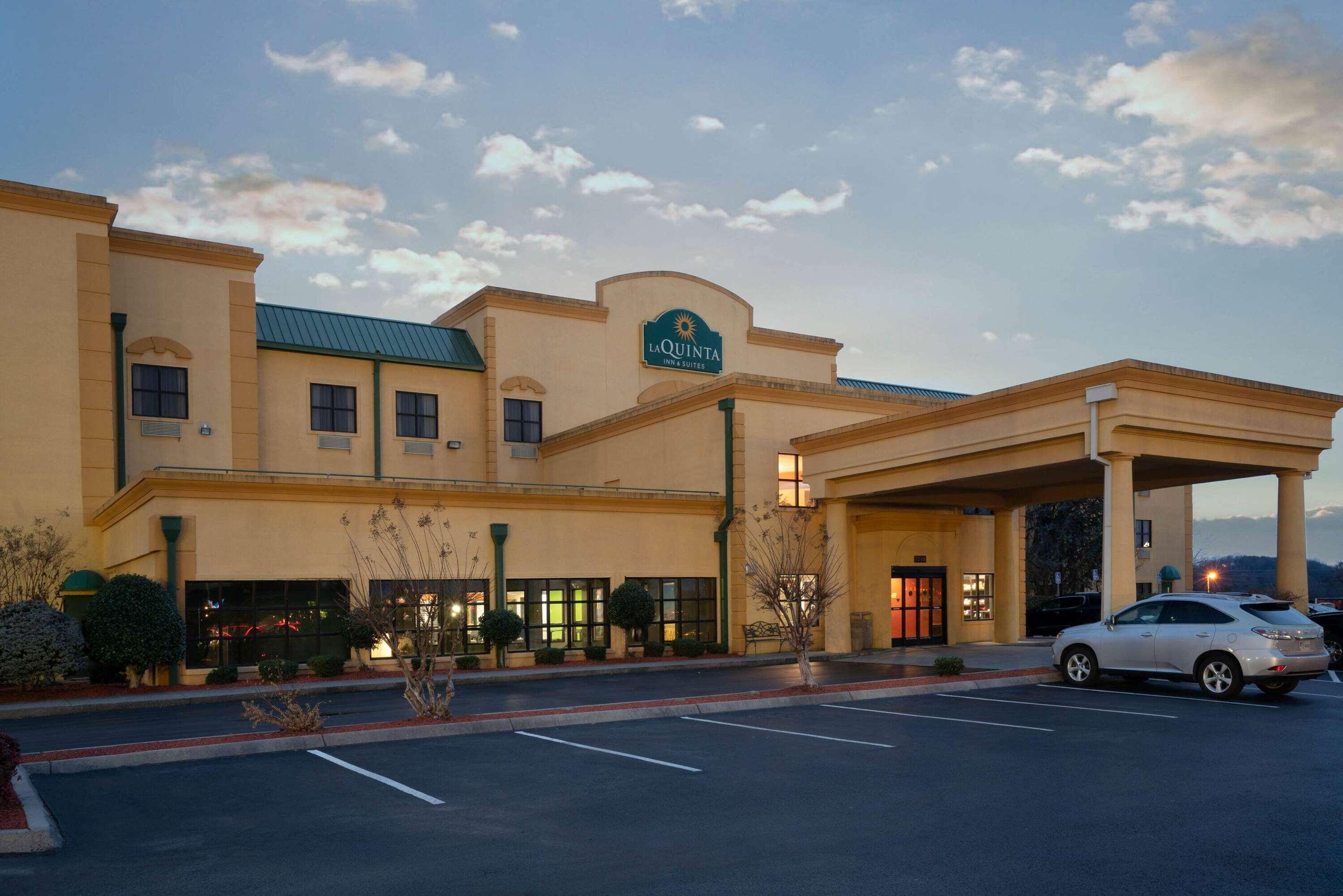 La Quinta Inn & Suites by Wyndham Knoxville East
