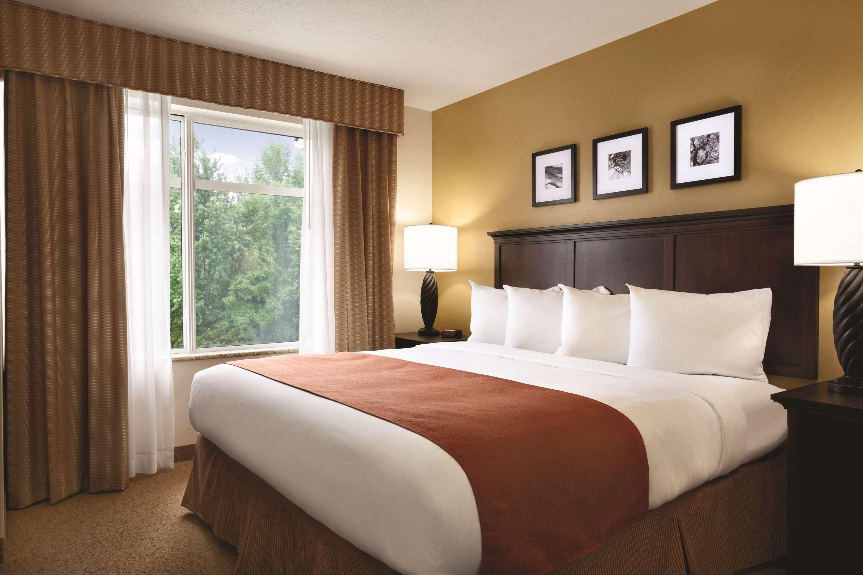 Country Inn & Suites Knoxville West at Cedar Bluff