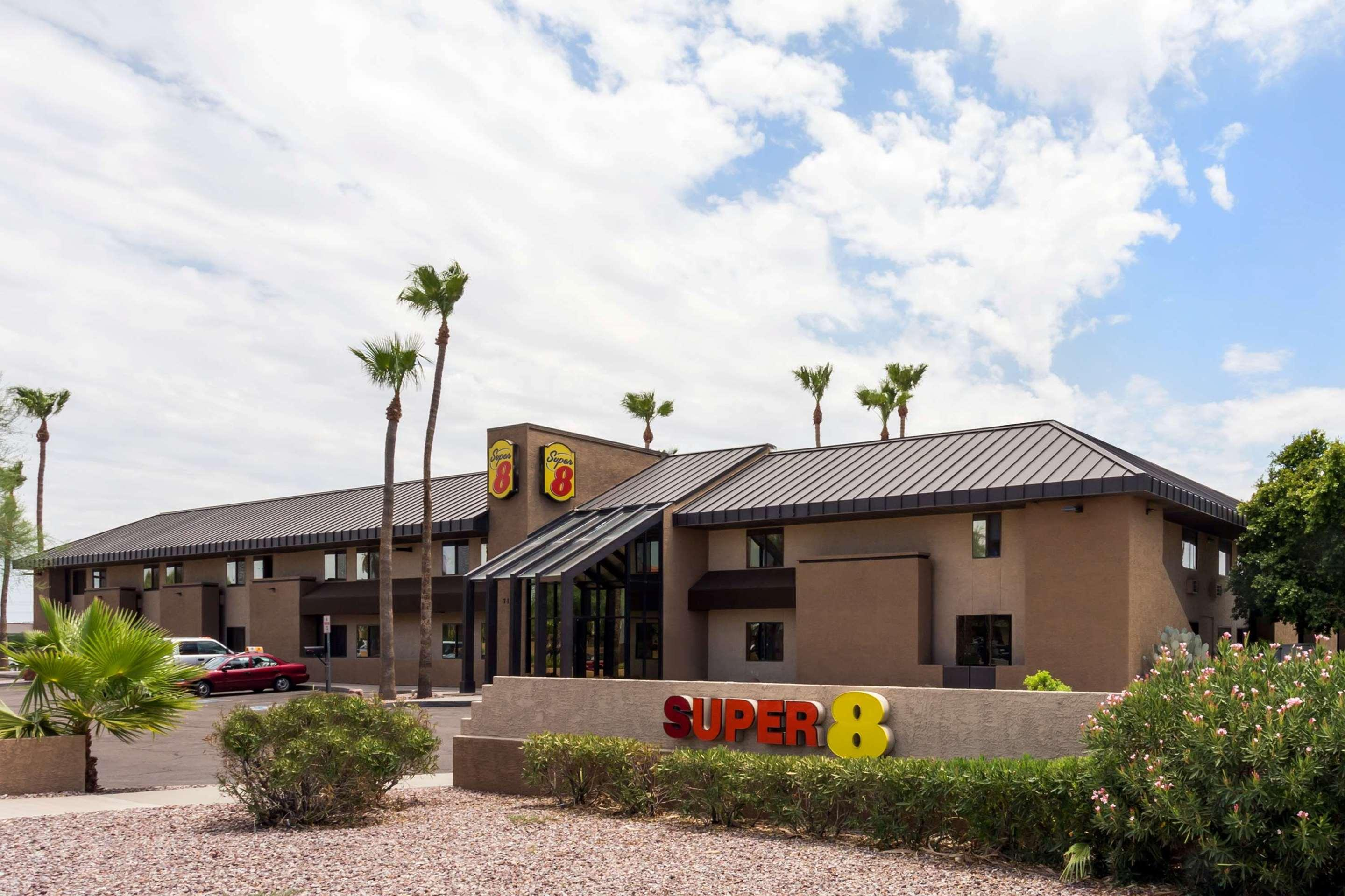 Super 8 by Wyndham Chandler Phoenix