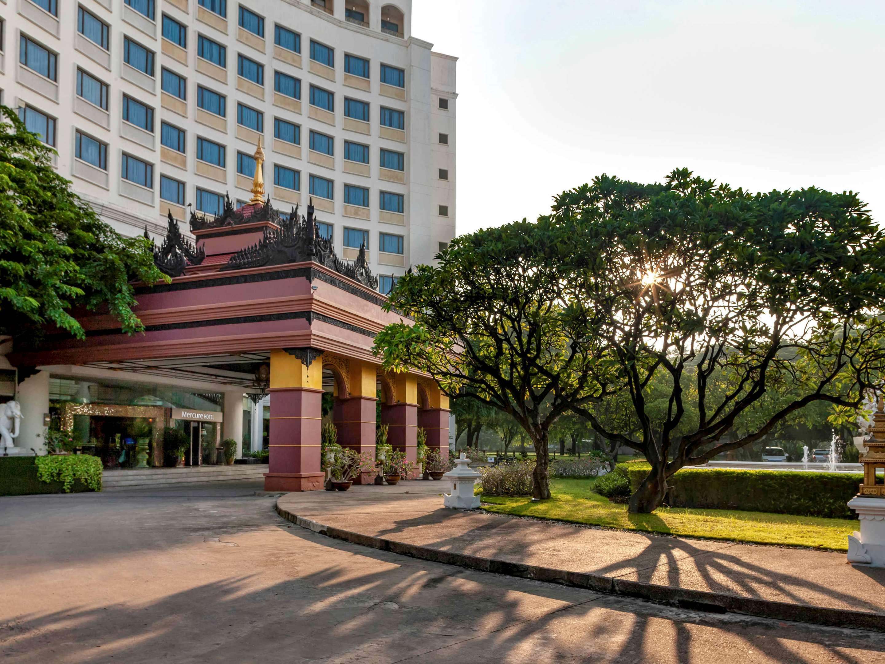 Mercure Mandalay Hill Resort