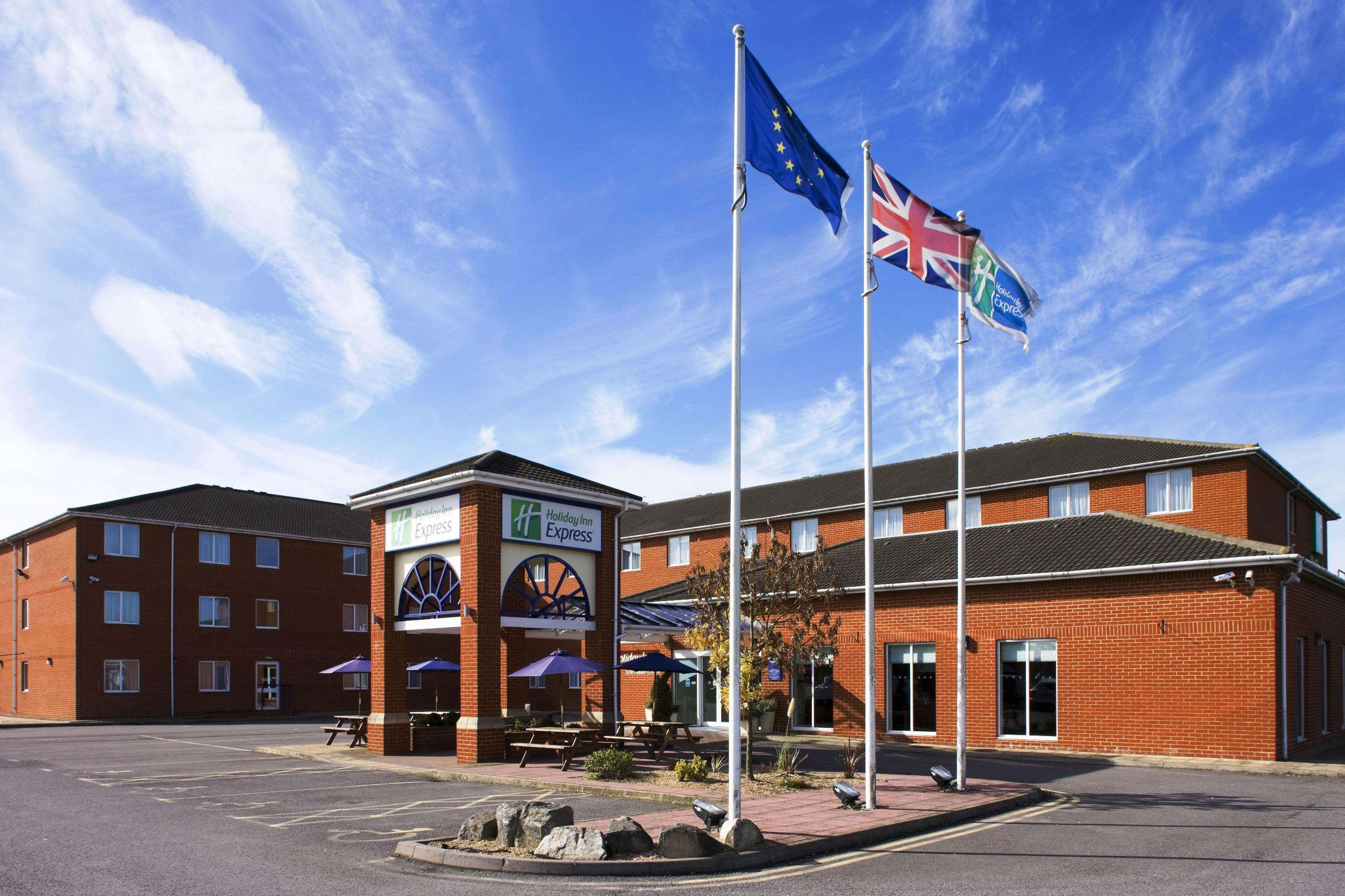 Holiday Inn Express Southampton - West