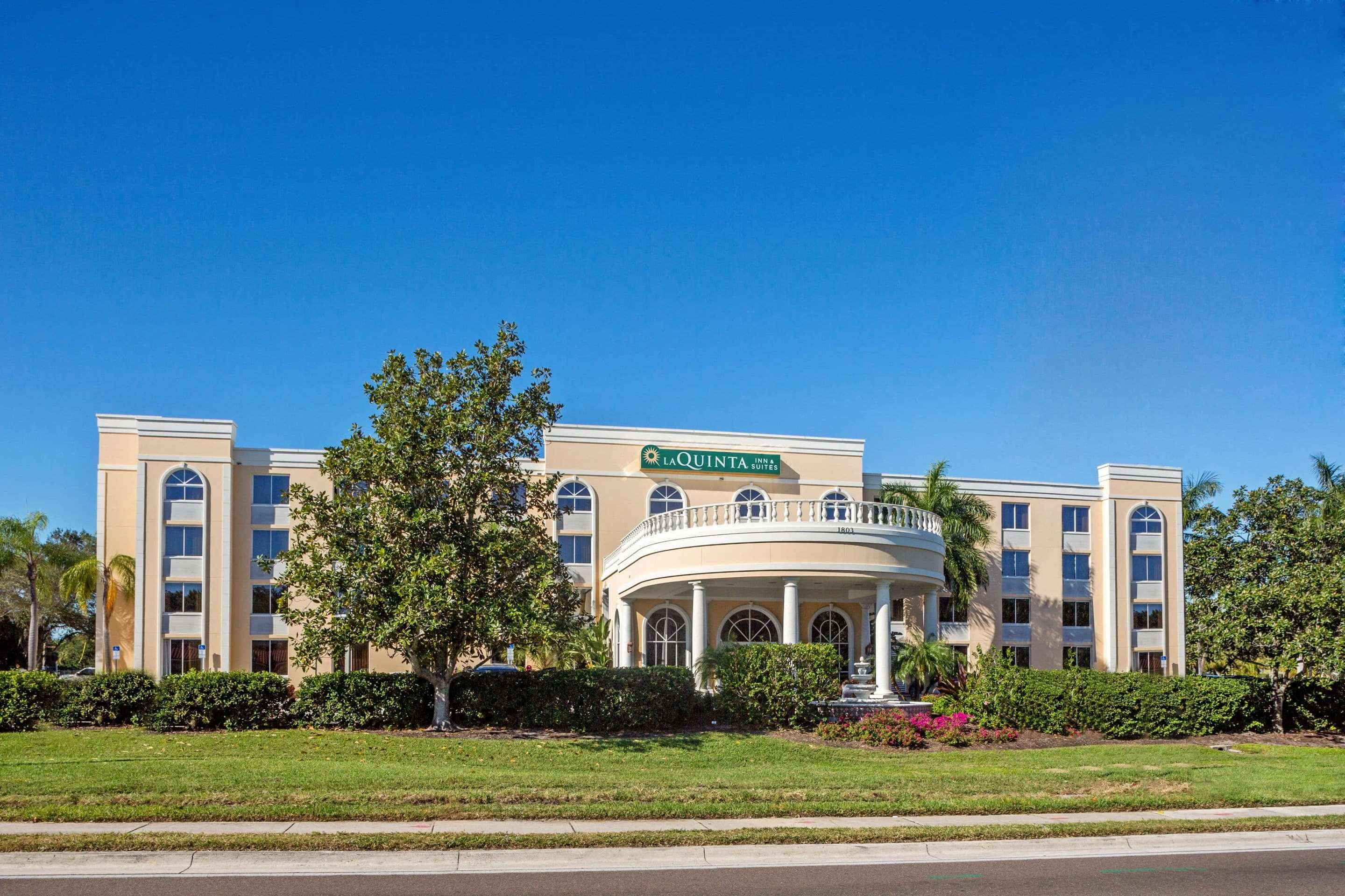 La Quinta Inn & Suites by Wyndham Sarasota Downtown