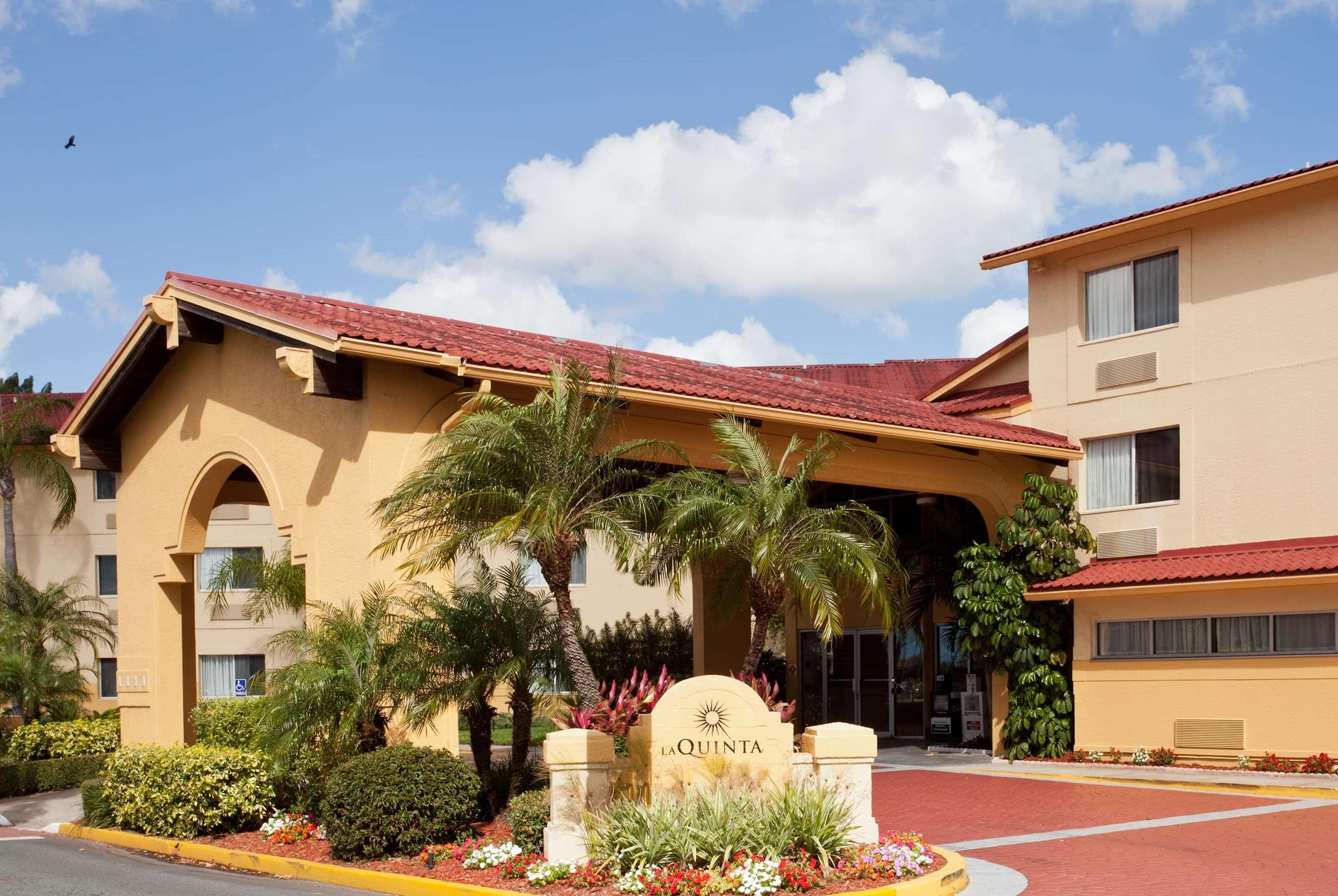 La Quinta Inn & Suites by Wyndham St. Pete-Clearwater Airpt