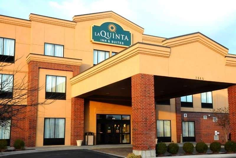 La Quinta Inn & Suites by Wyndham Springfield Airport Plaza