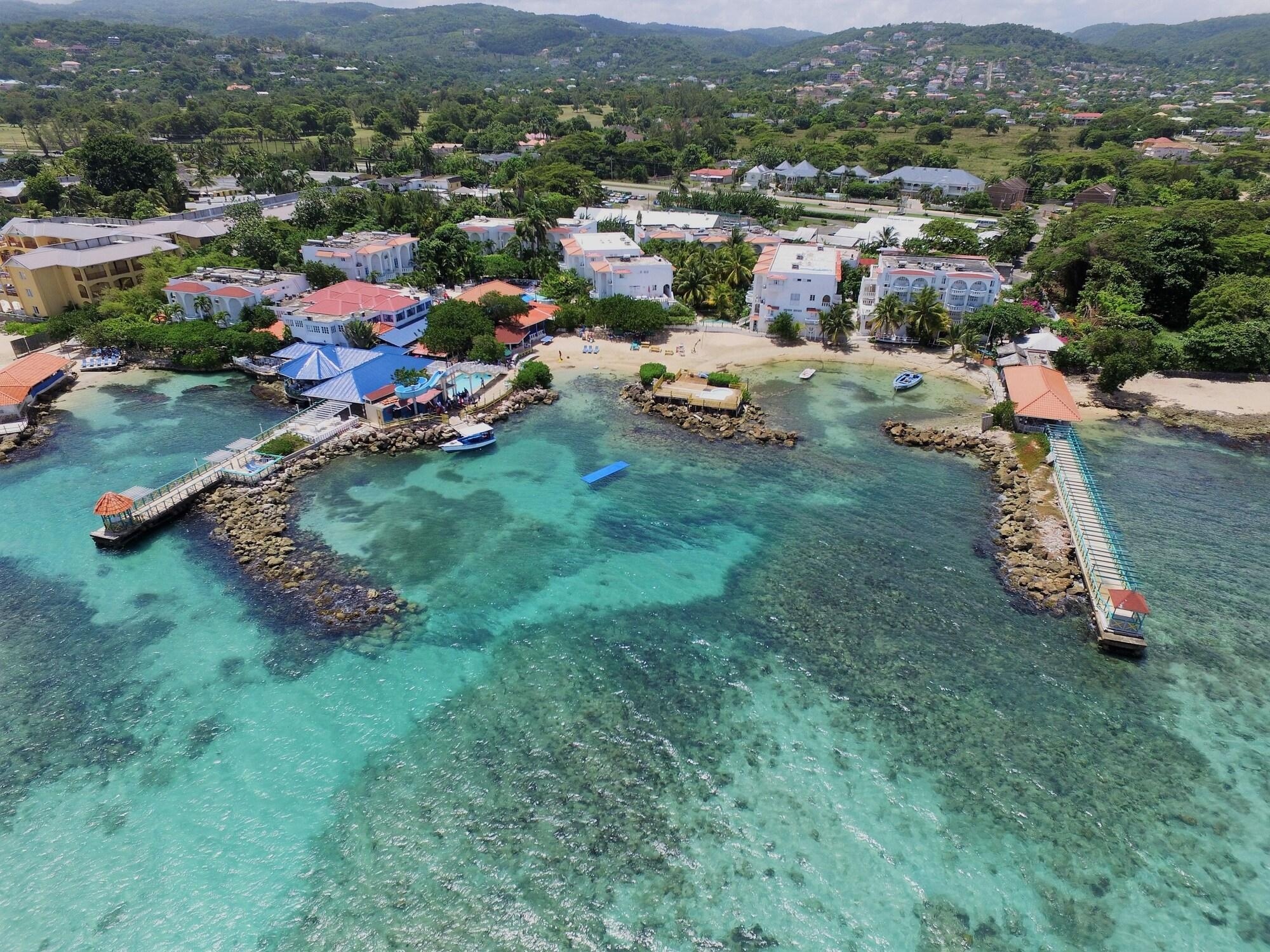 Franklyn D Resort  Spa Runaway Bay  Compare Deals