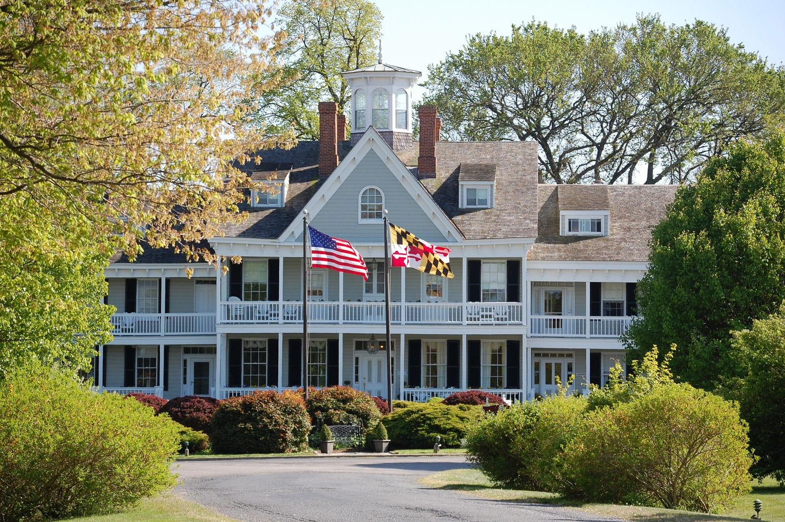 The Waterfront Historic Kent Manor Inn
