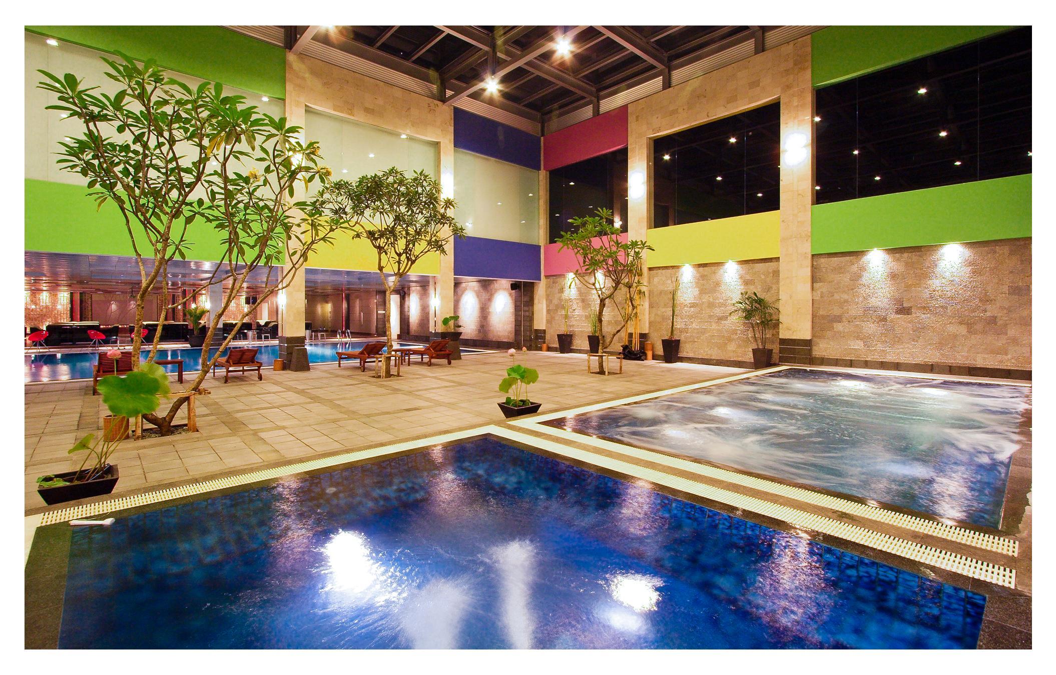 Fm7 Resort Hotel Jakarta Tangerang City Bt Indonesia Compare Deals