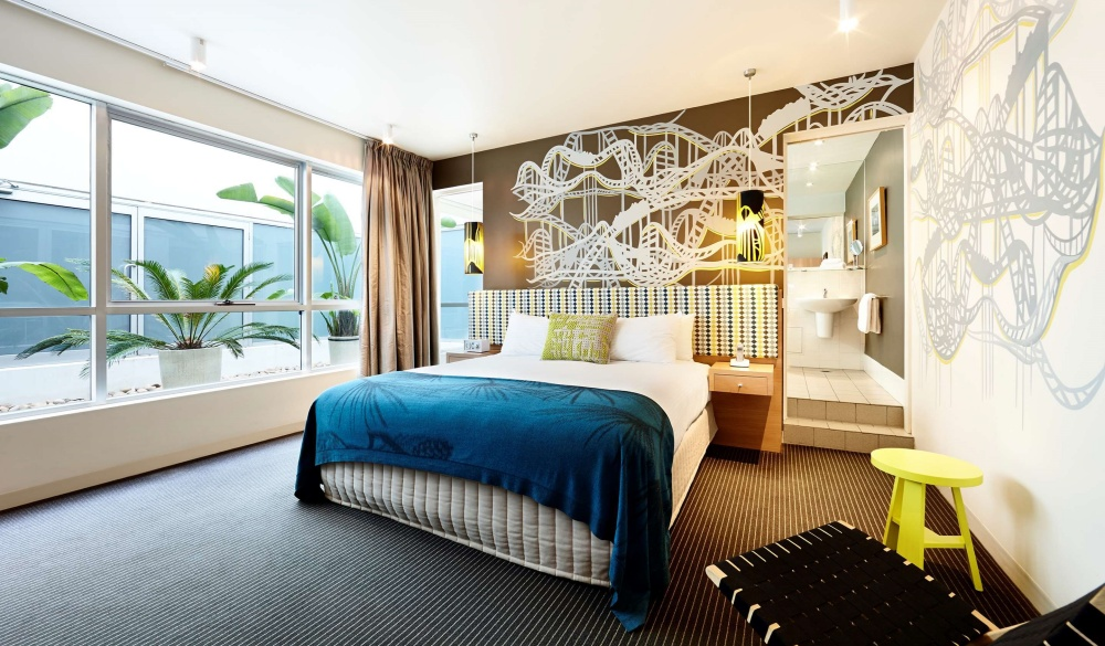 Rydges St Kilda, hotel with restaurant