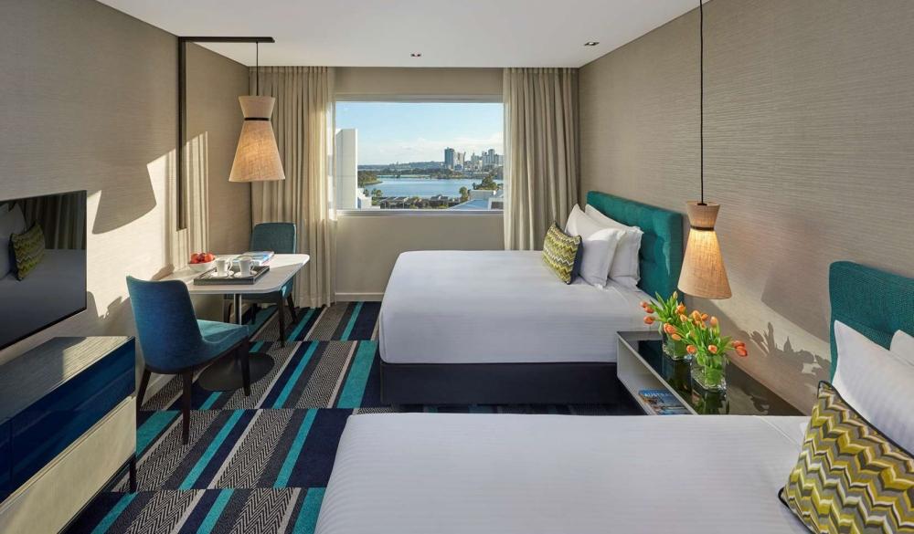 Crown Promenade Perth, waterfront hotel