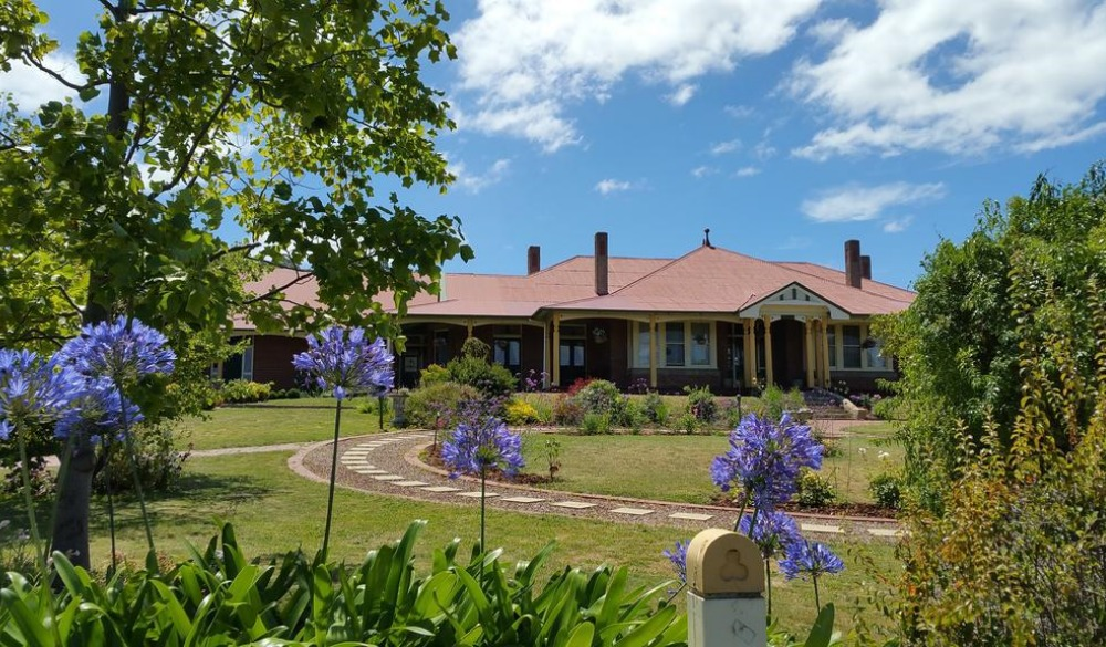 Orana House, hotel with picturesque view