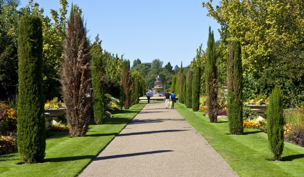 The beautiful Regent's Park, London sightseeing guide