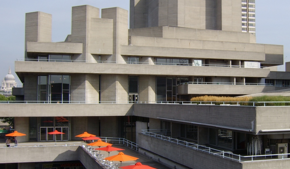 National theatre, London, sightseeing guide