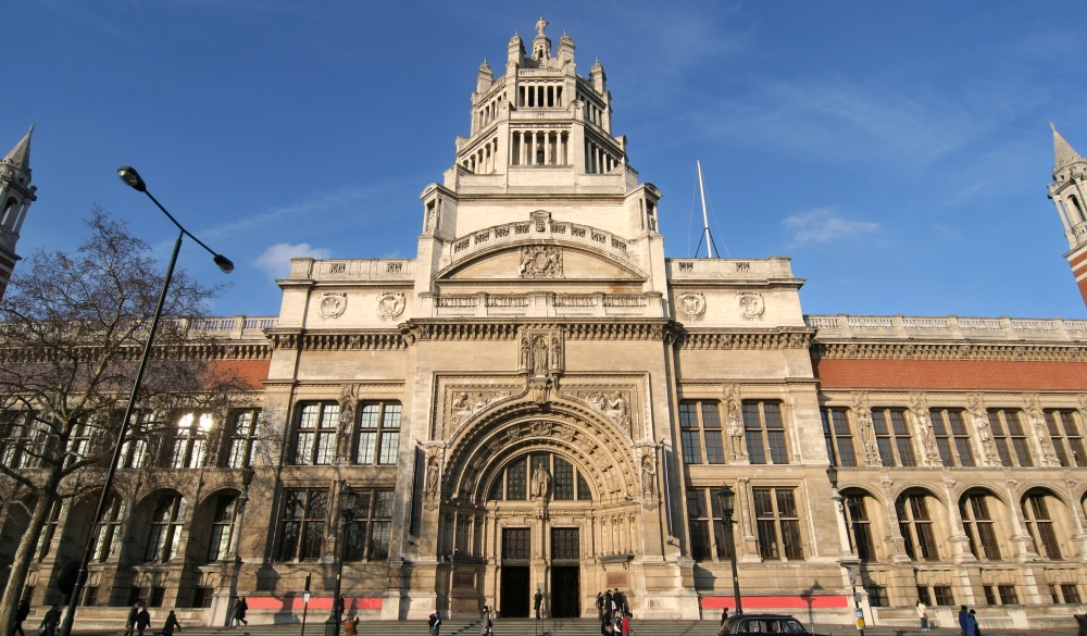 London. Victoria and Albert Museum, London sightseeing guide