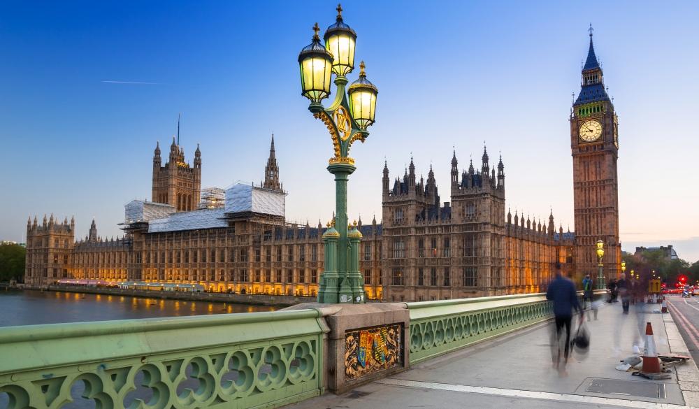 Big Ben and Westminster Bridge, London sightseeing guide