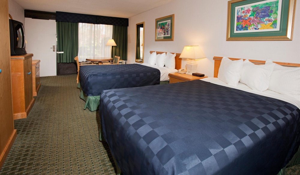 Maingate Lakeside Resort, family hotel
