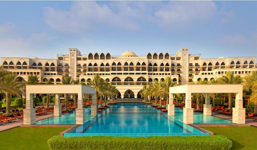 Jumeirah Zabeel Saray pool