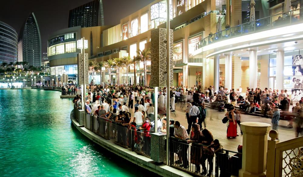 Dubai Mall, Dubai fountain. People waiting for fountain to play its show.