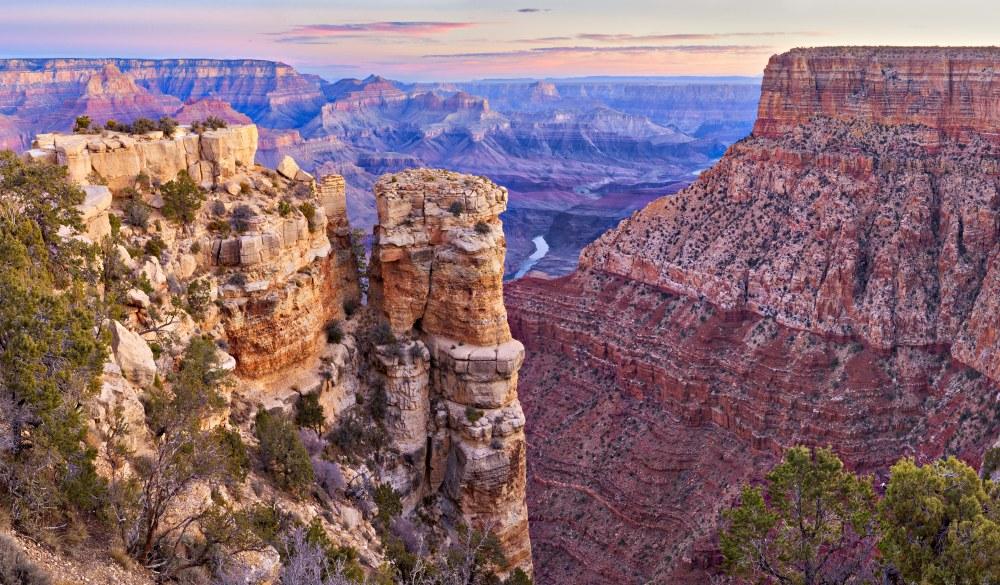 Sunrise at Moran Point, Grand Canyon, south rim