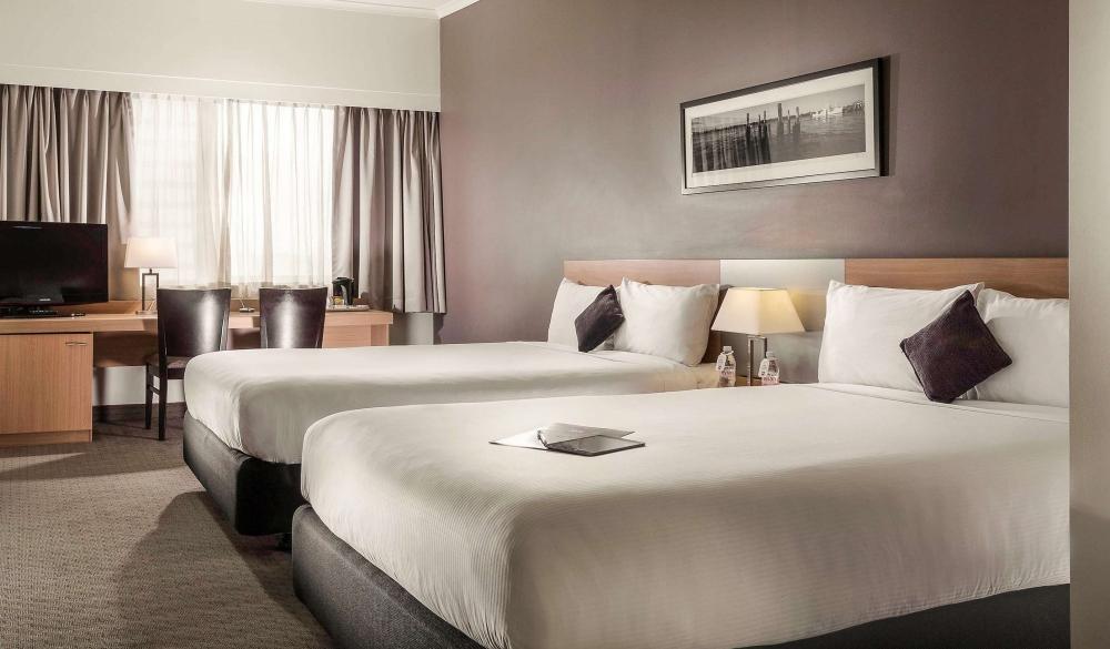 Ibis Brisbane, river view hotel