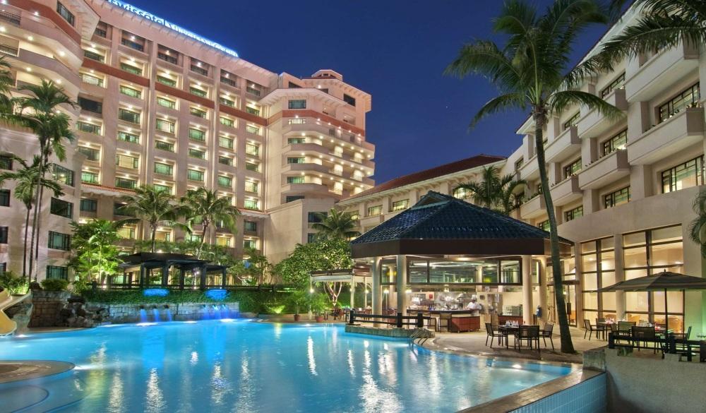 Swissotel Merchant Court, Singapore hotel pools