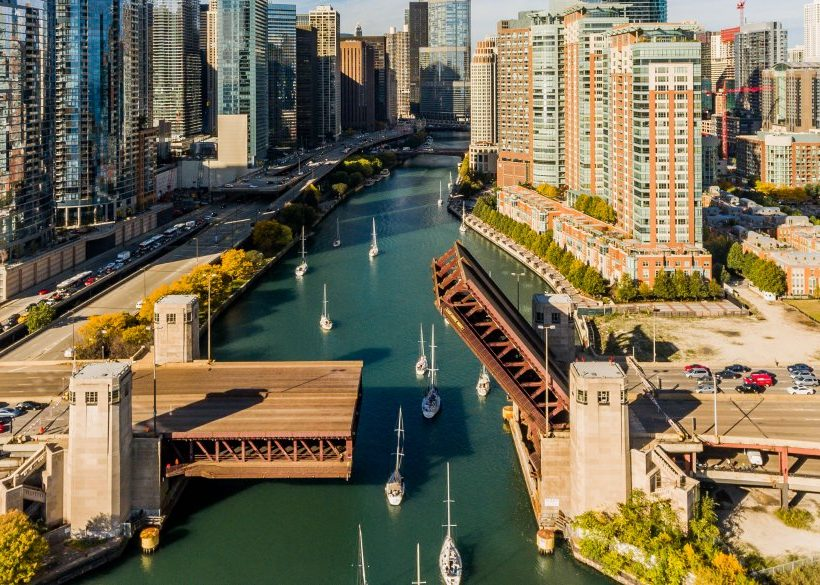 10 Downtown Chicago Hotels with Free Parking