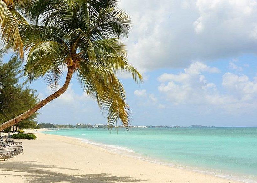 14 Best Grand Cayman Resorts on Seven Mile Beach