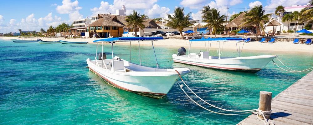 Puerto Morelos beach in Riviera Maya