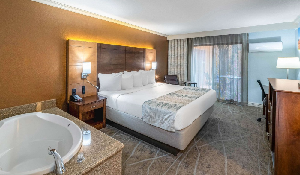 Arroyo Pinion Hotel, Ascend Hotel Collection, affordable romantic getaways