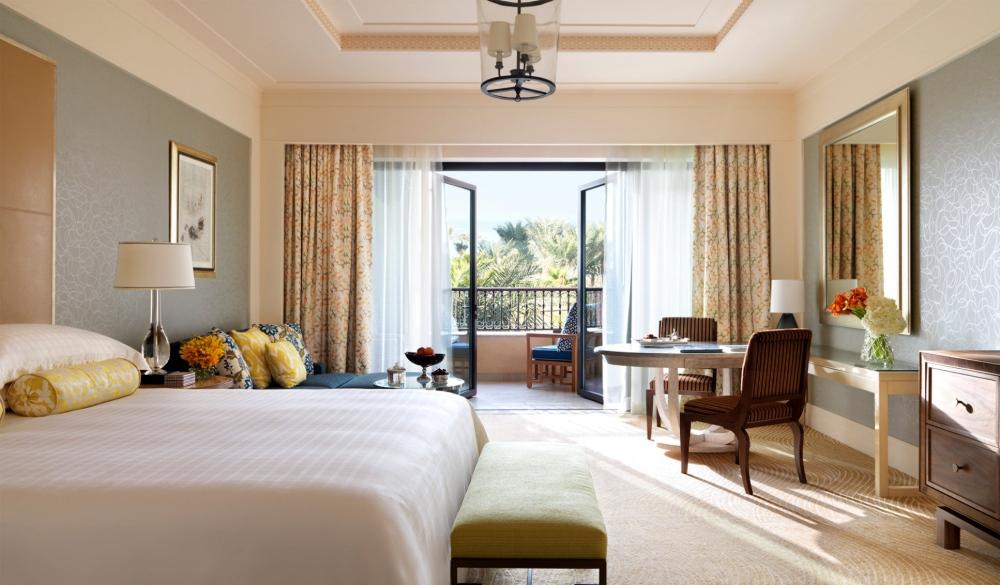 Four Seasons Resort Dubai at Jumeirah Beach, family hotel in Dubai