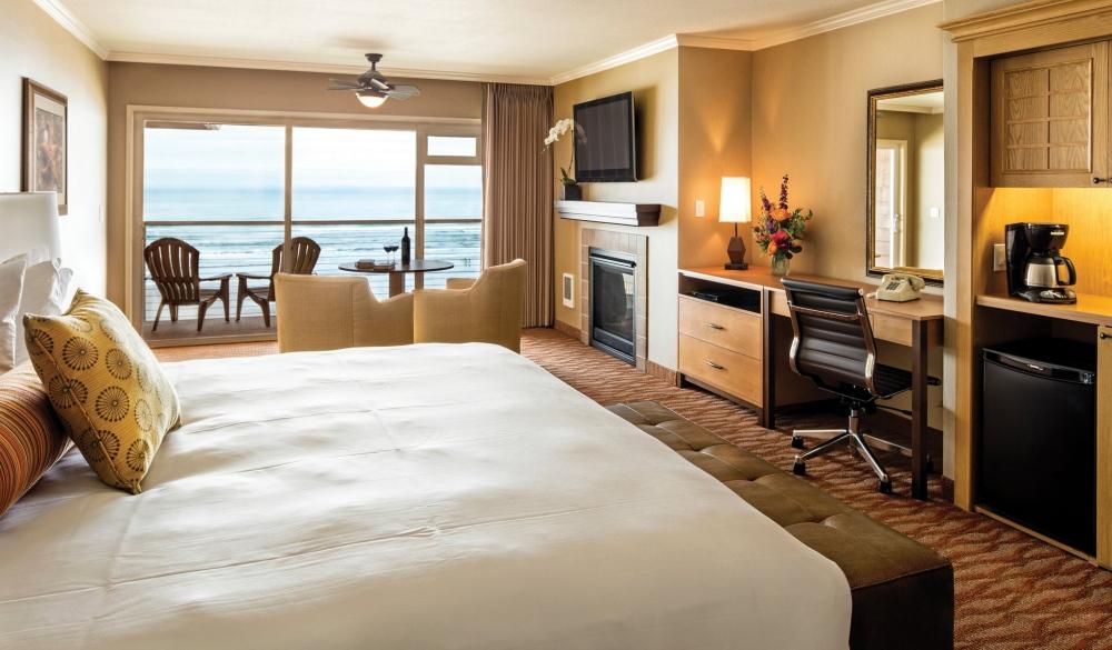 Hallmark Resort in Cannon Beach, affordable romantic getaways
