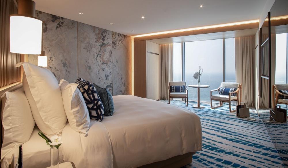 Jumeirah Beach Hotel, family hotel in Dubai