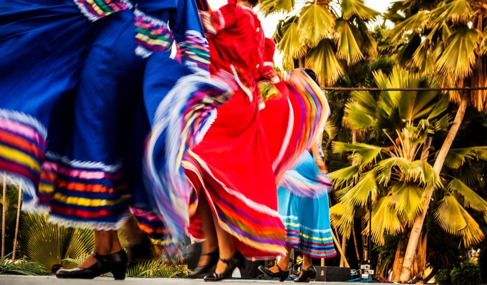 Folk dancing Mexico, cinco de Mayo celebration