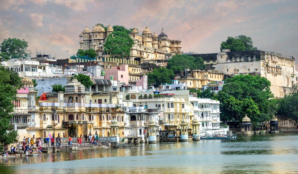 Panoramic view of Udaipur : Lake Pichola and the City Palace, Rajasthan, India, Asian