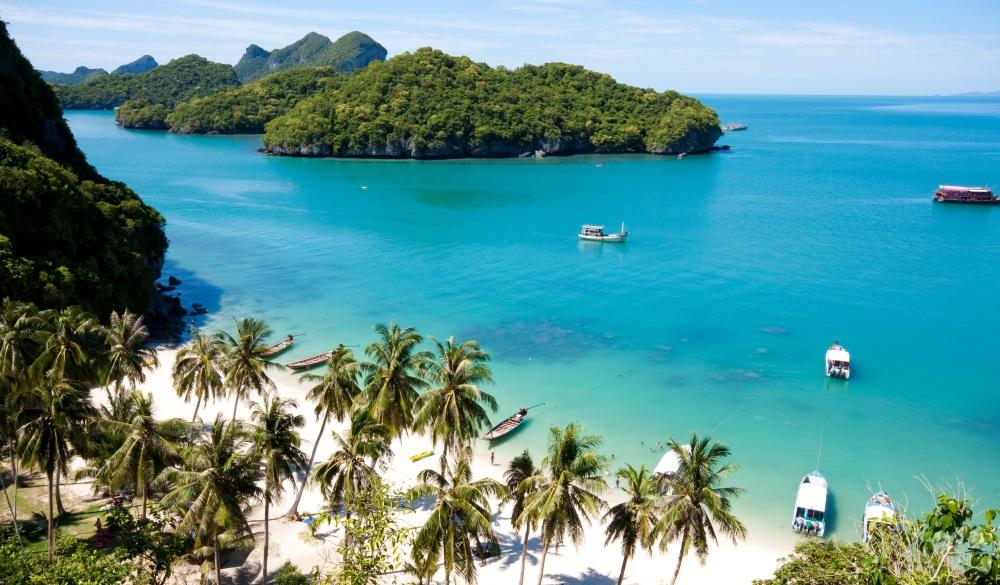 Sunny beach on AngThong National Park in Koh Samui, Thailand, yoga retreats on the beach