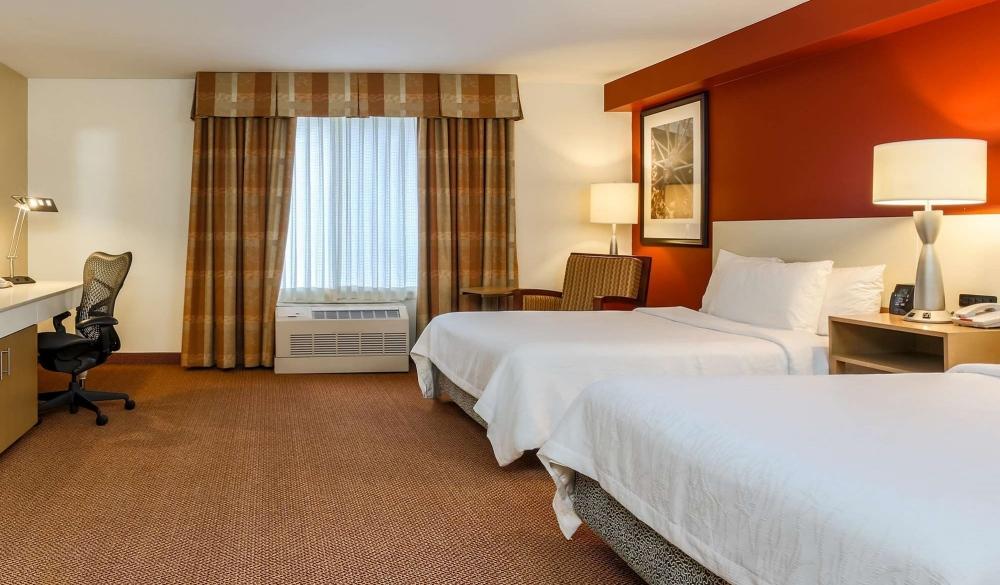 Hilton Garden Inn Anchorage, hotels near UNESCO sites