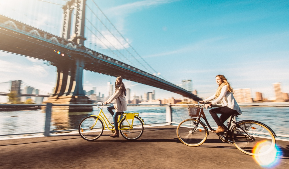 Bicycle ride in NYC, road trip from New York