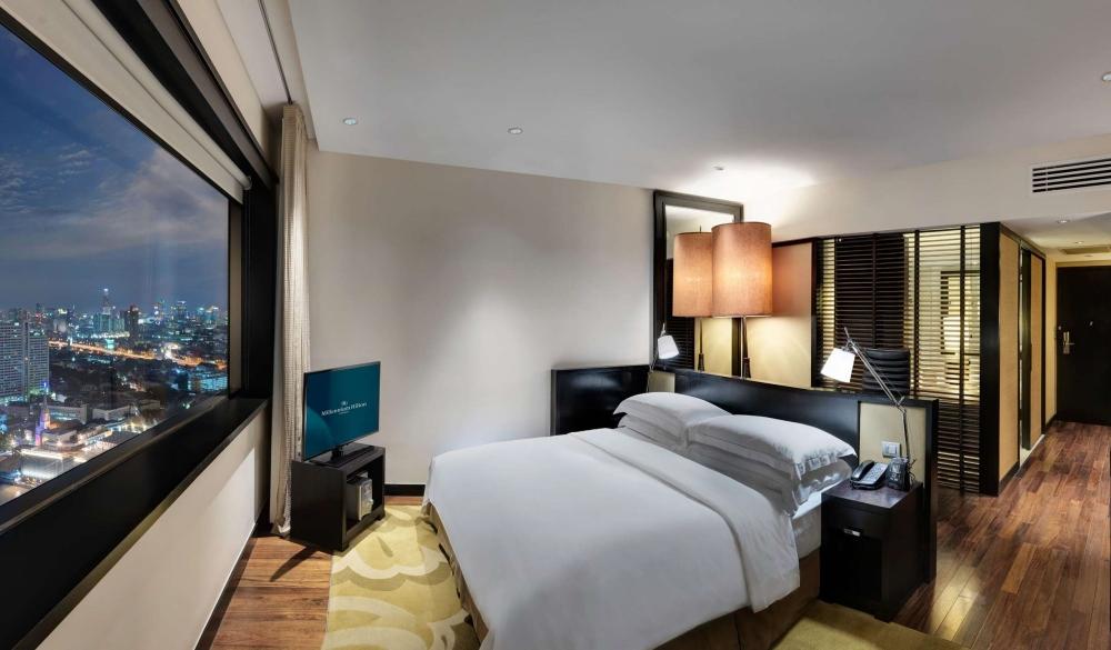 Millennium Hilton Bangkok, stay in bangkok