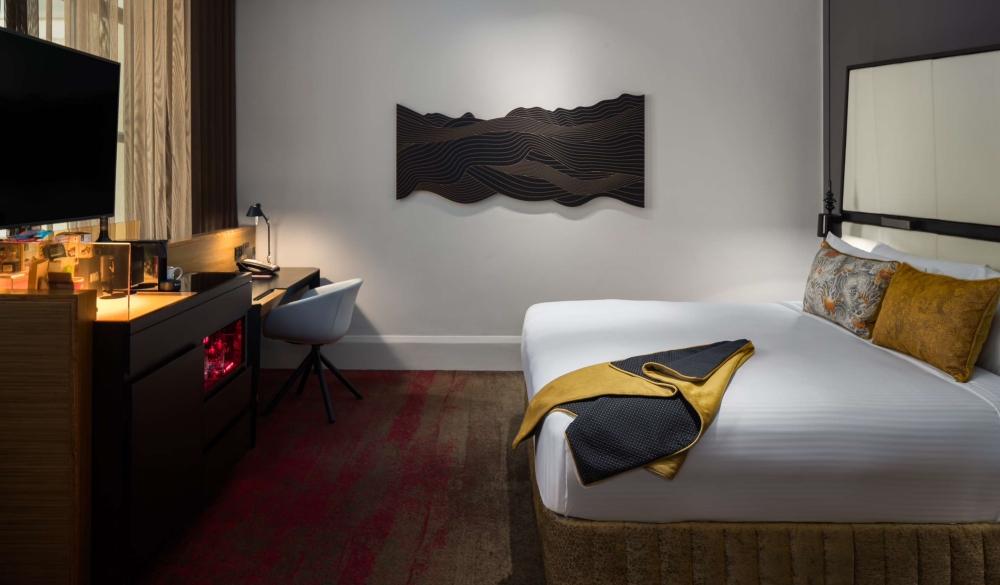 QT Sydney, 5-star hotel