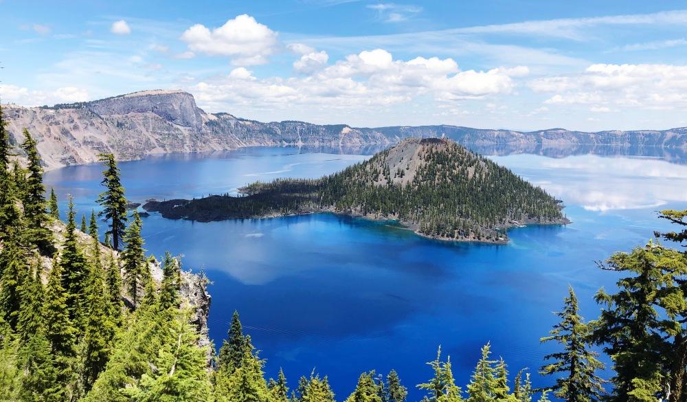 Creater Lake national park, nature travel destinations