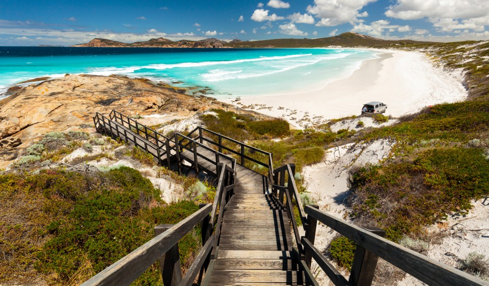 Lucky Bay lookout, iconic australian road trip destination