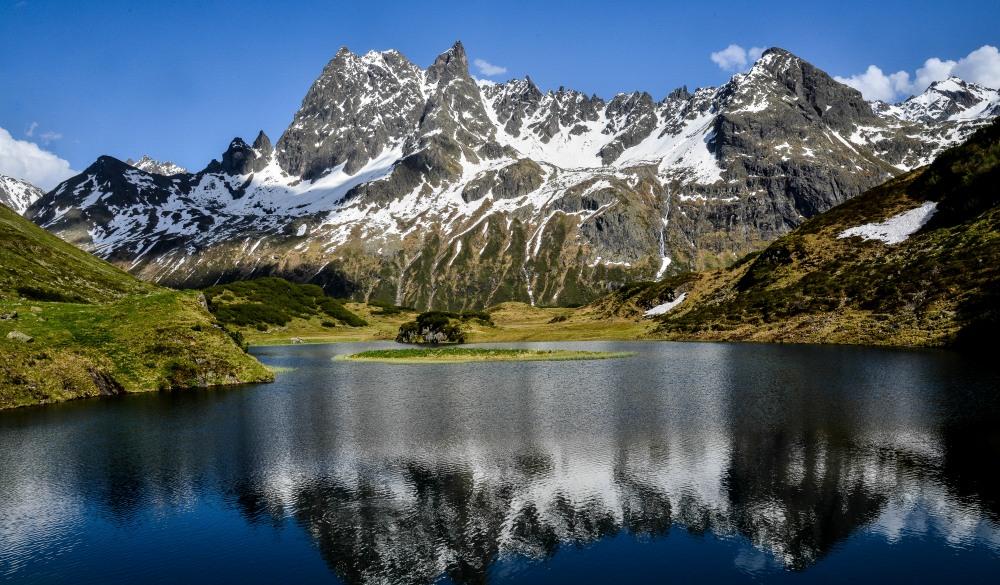 Langer See and mountains, St. Anton am Arlberg, Tyrol, Austria
