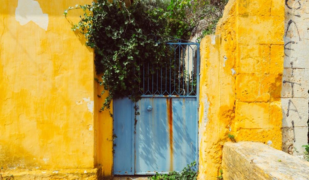 Blue gate, yellow wall