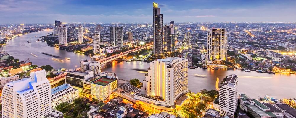 Bangkok city with Chao Phraya river
