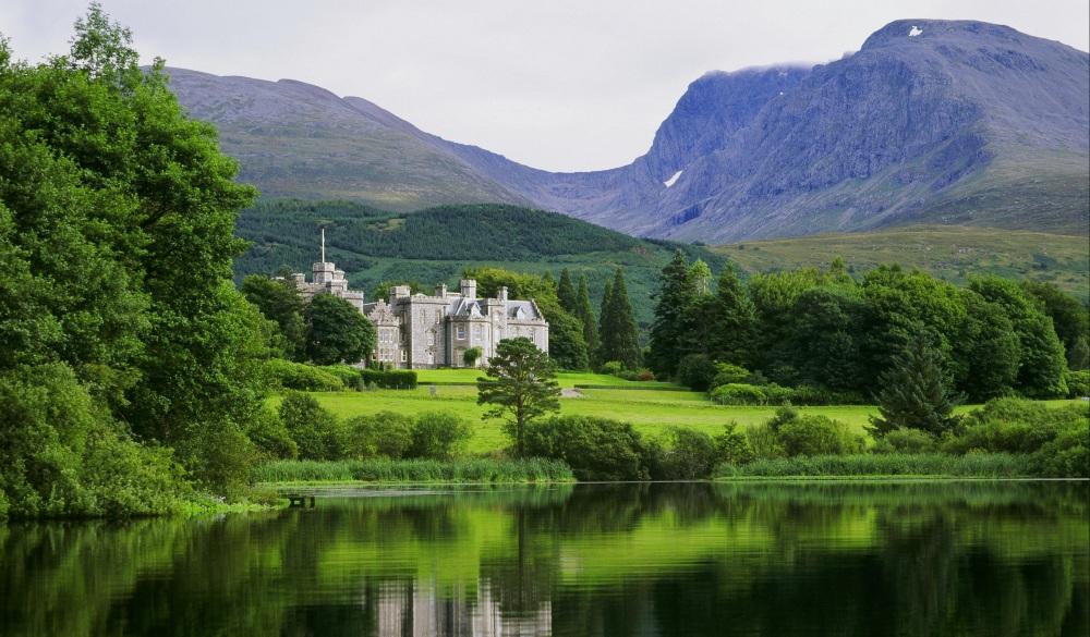 Inverlochy Castle, hote for scottish highlands road trip