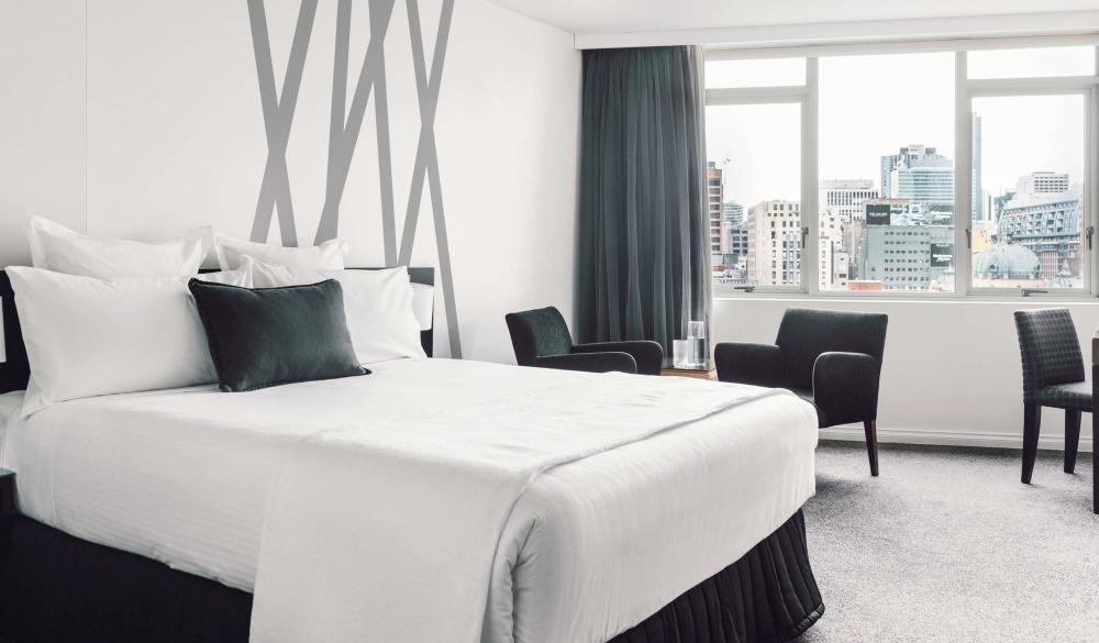 Quay West Suites Melbourne, 5-star hotel