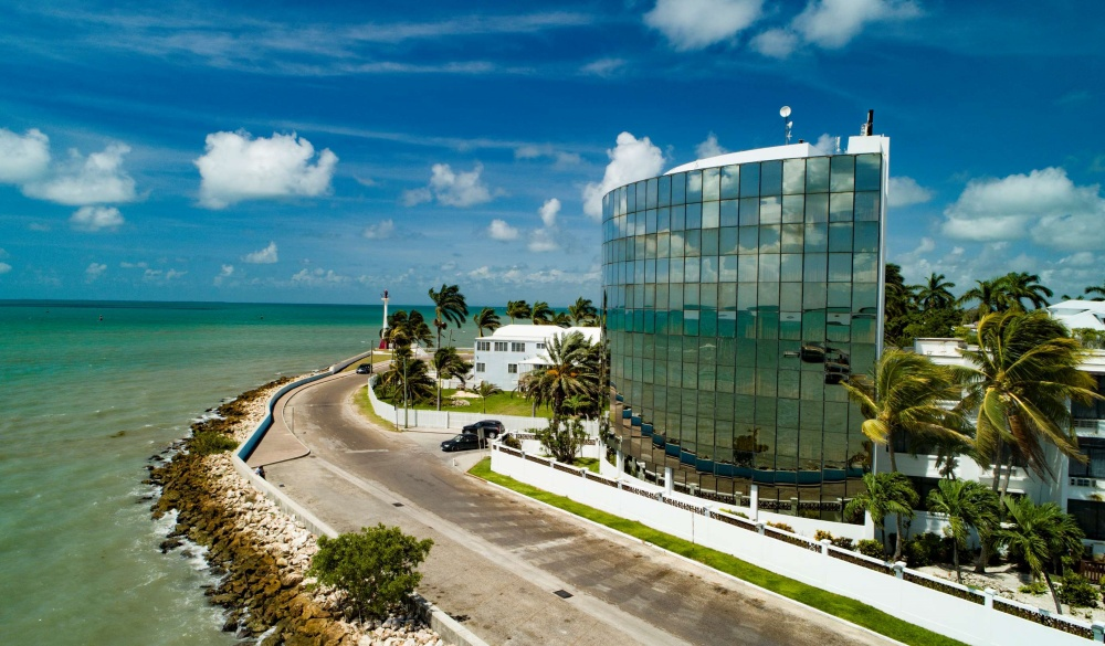 Radisson Fort George Hotel & Marina, hotel near Mayan sites to visit