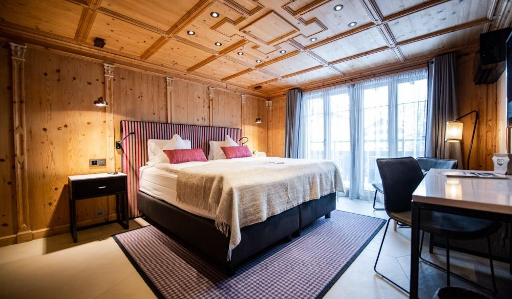 Romantik Hotel Julen, ski hotel